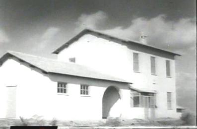 ...dopo l'intervento fascista, ecco le nuove case rurali